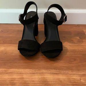 Divided black heels